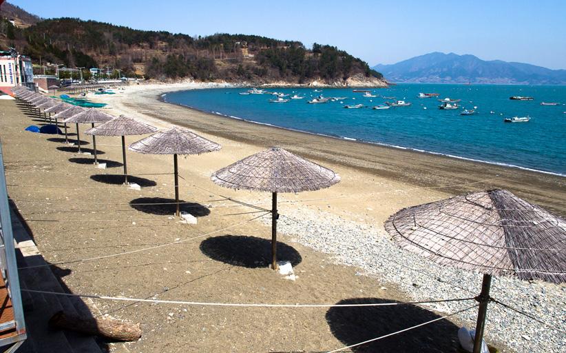 만성리 검은모래 해변과 모사금 해수욕장