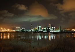 화려한 공장의 불빛 여수국가산업단지
